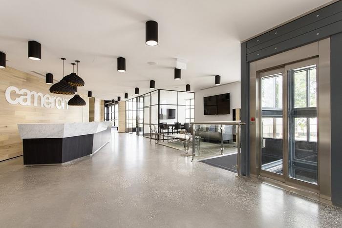 cameron-industrial-office-design-9