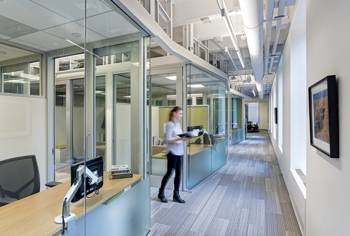 new-resource-bank-office-design-2