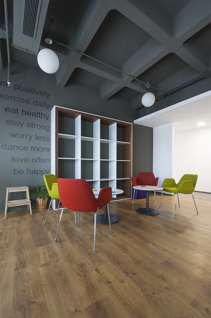 sbm-insurance-office-design-9