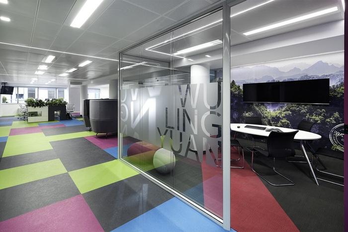 skyscanner-office-design-15