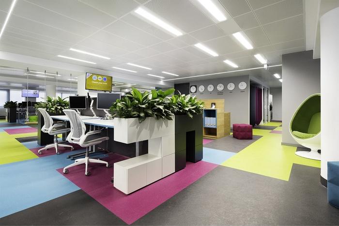skyscanner-office-design-20