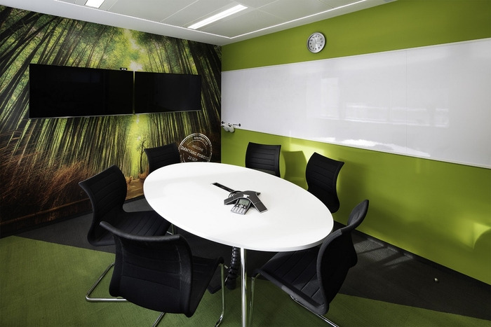 skyscanner-office-design-22