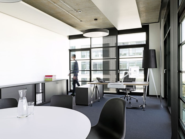 sony-music-munich-office-design-8
