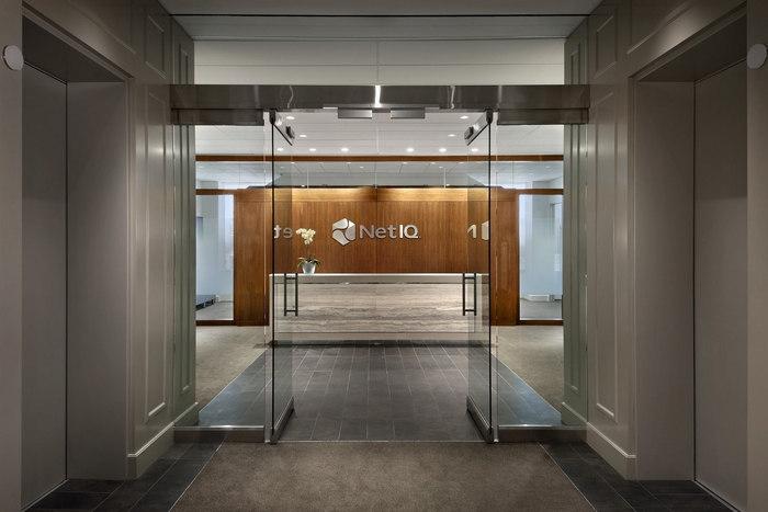1NetIQ-lobby