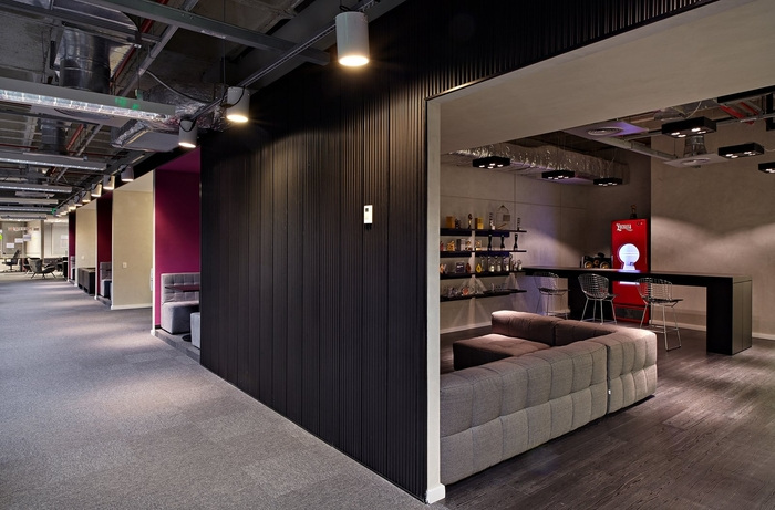 LewLara-TBWA-office-design-18