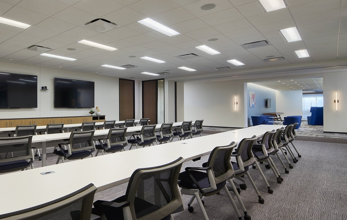 axis-reinsurance-office-design-7