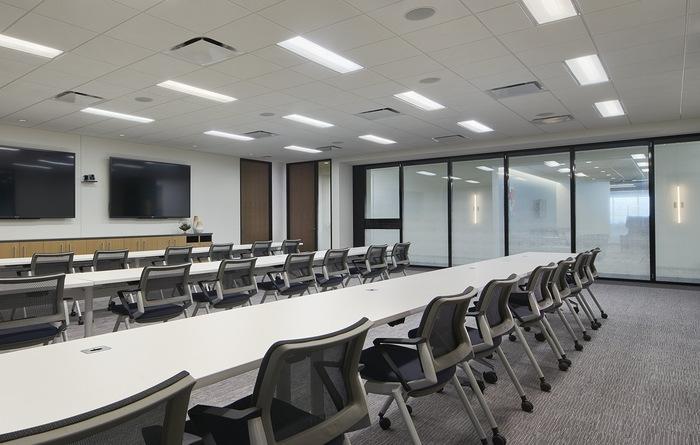 axis-reinsurance-office-design-8