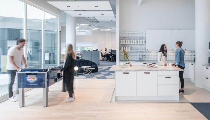 red-bull-office-design-11