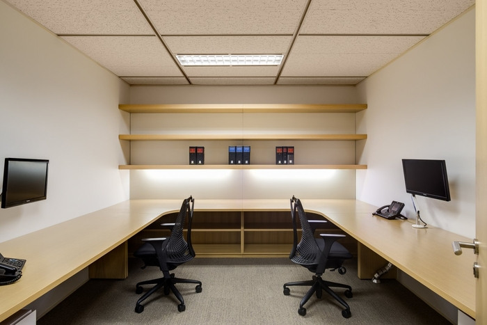 akin-gump-office-design-7