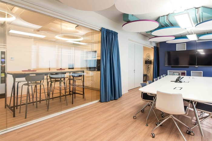 pitney-bowes-office-design-3