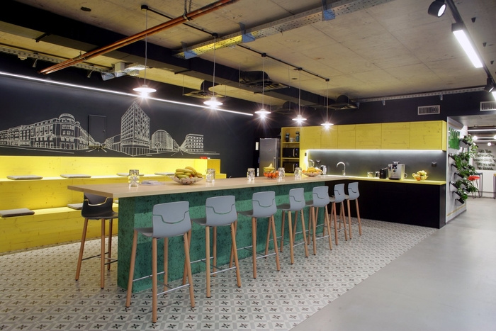 bookingcom-office-design-3