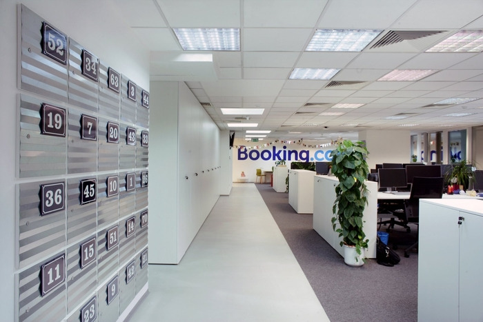 bookingcom-office-design-7