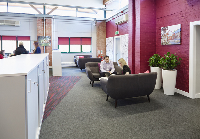 forest-holidays-office-design-4