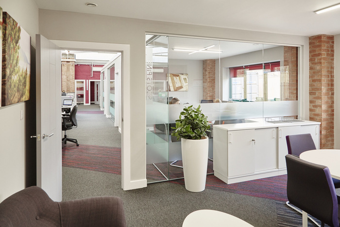 forest-holidays-office-design-9