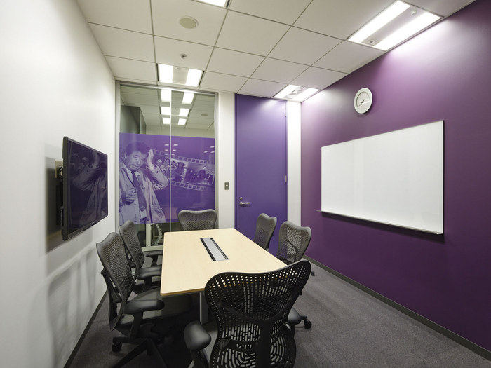 nbc-universal-office-design-10