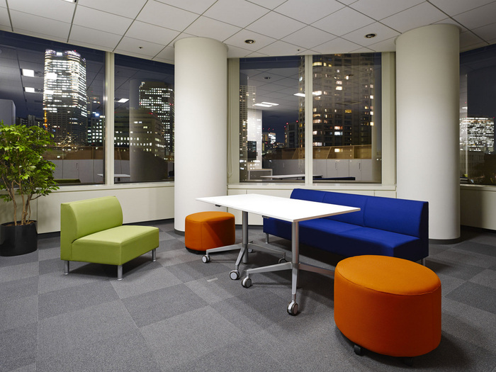 nbc-universal-office-design-9