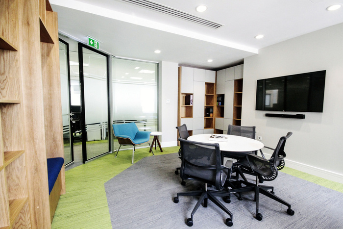 prothena-biosciences-office-design-1