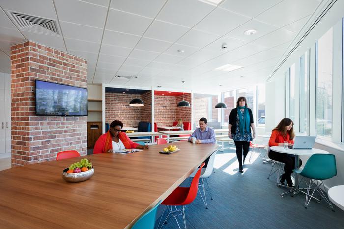 ukas-office-design-3
