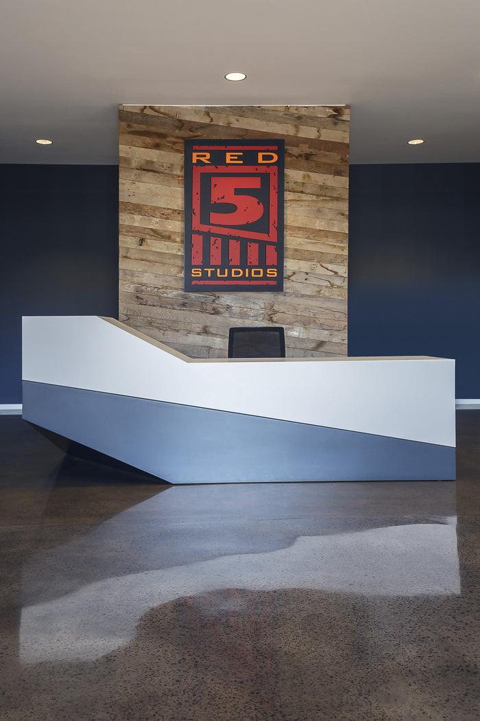 red-5-studios-office-design-5