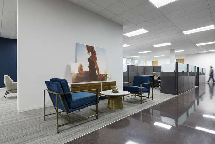wet-seal-office-design-3