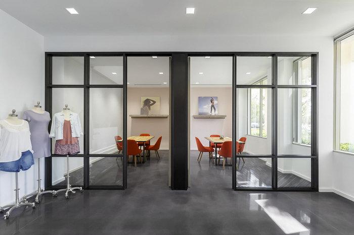 wet-seal-office-design-5