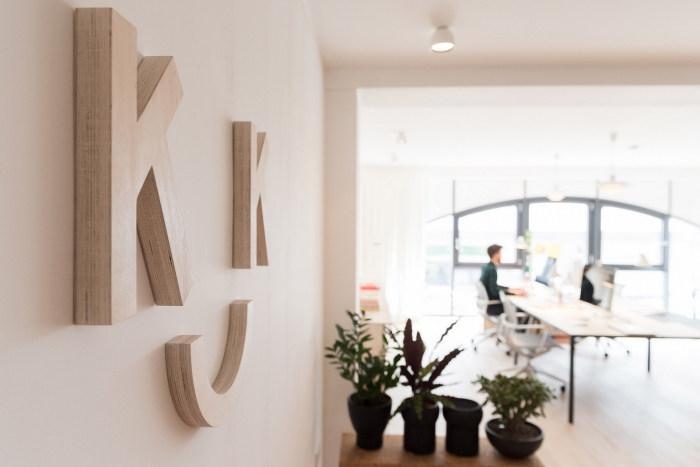 KittoKatsu_Office-13