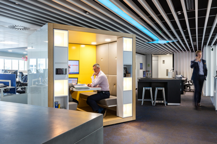 fourfront-group-office-design-5