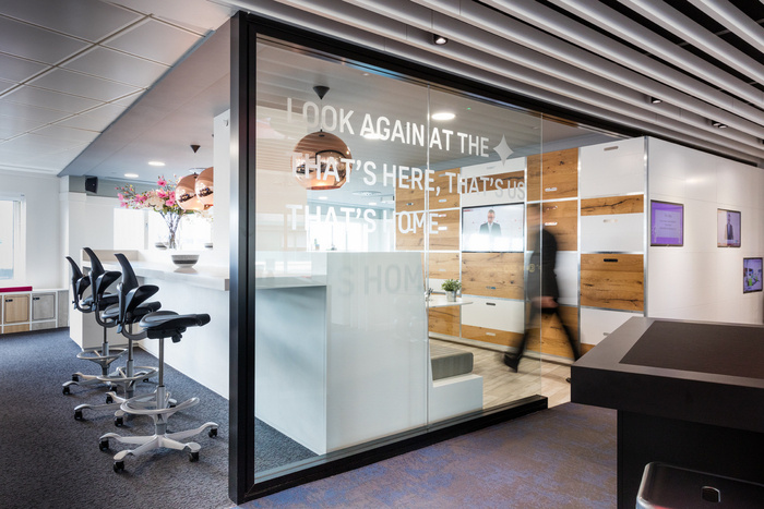 fourfront-group-office-design-9