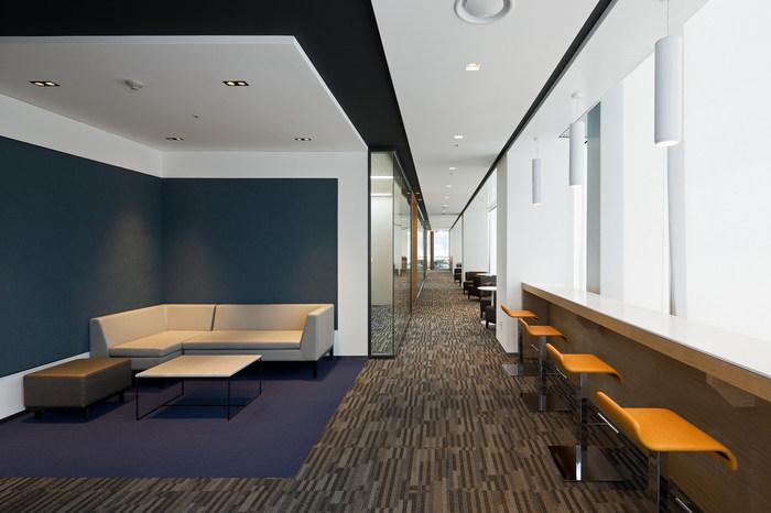 health-insurance-office-design-5