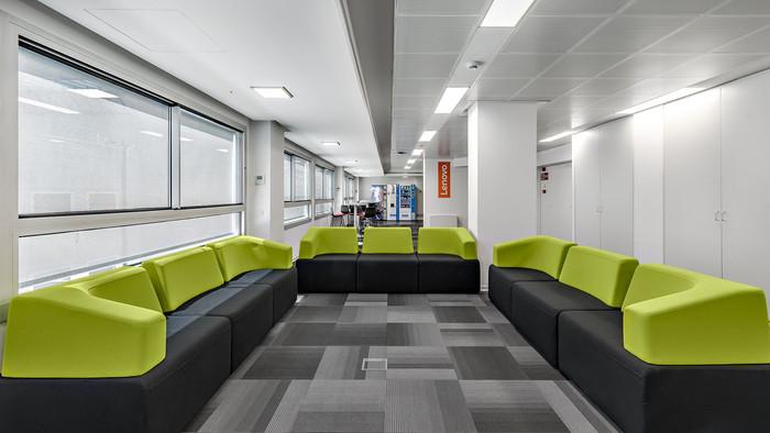 lenovo-barcelona-office-design-2