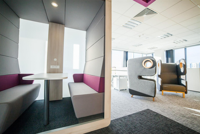 astra-zeneca-warsaw-office-design-3