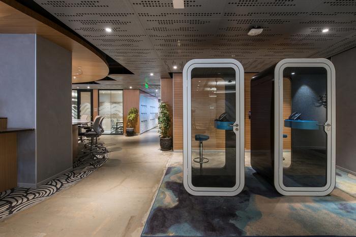 stool chair photography steel ergonomic microsoft office - mumbai snapshots