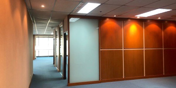 Office for rent close to BTS Chidlom station