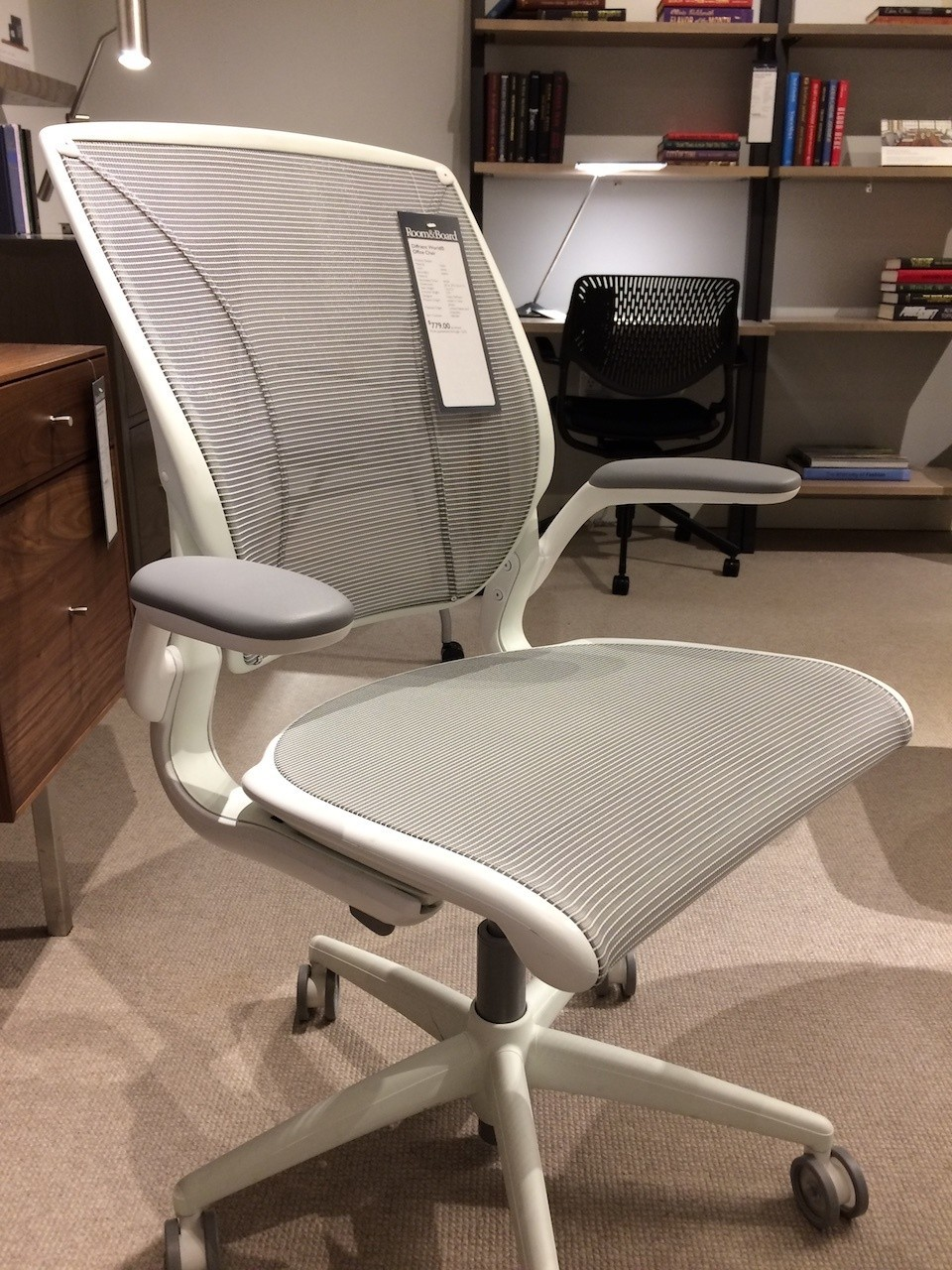 Humanscale Diffrient World Chair The Humanscale Diffrient World Chair Reviewed Office Thrones