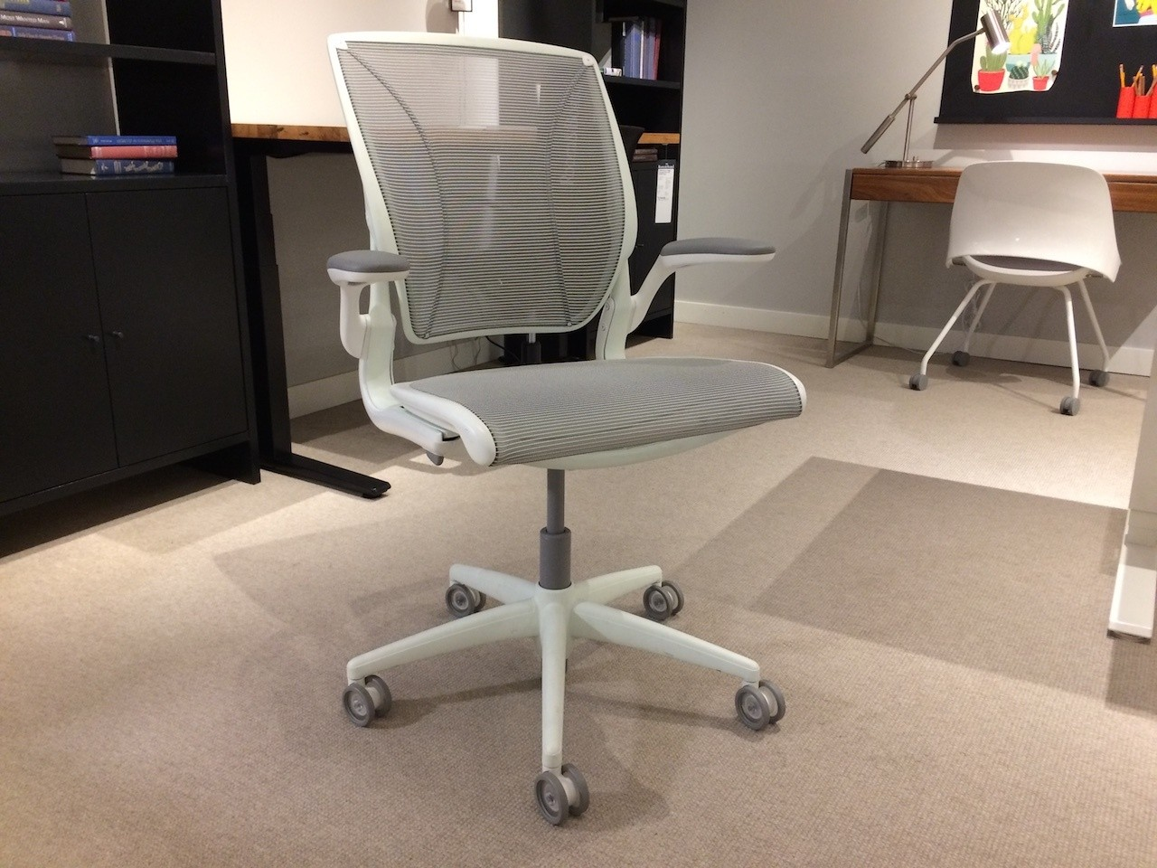 Humanscale Diffrient World Chair The Humanscale Diffrient World Chair Reviewed Office