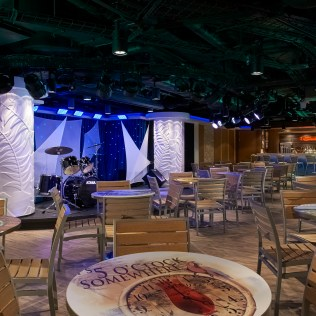 Norwegian cruises escape cruise ship bar