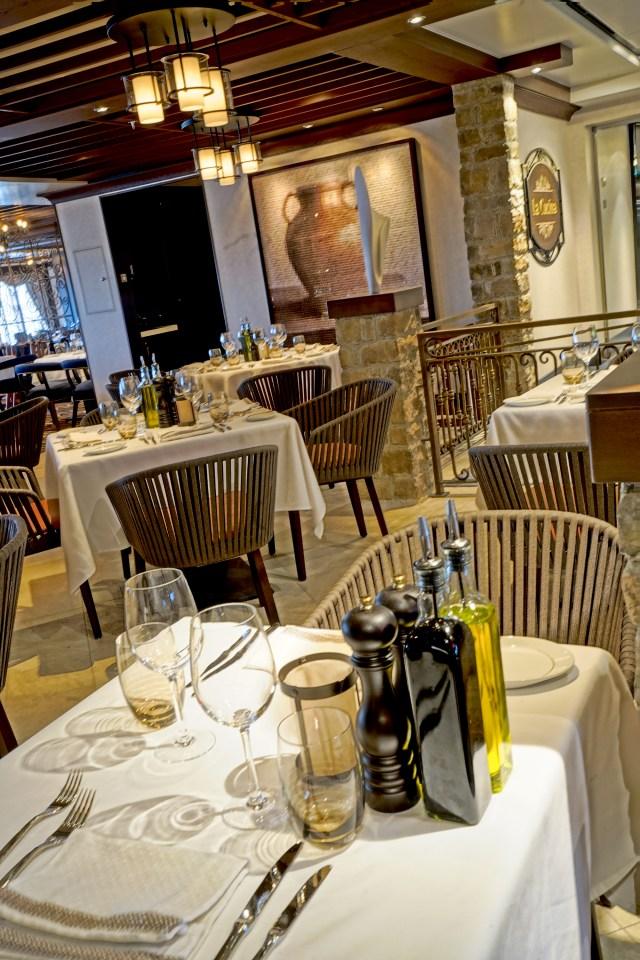 Norwegian cruises escape cruise ship lacucina restaurant