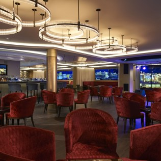 Norwegian cruises escape cruise ship skyline bar