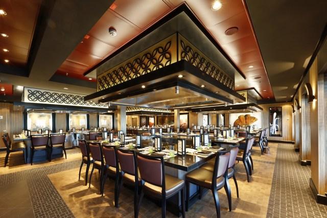 Norwegian cruises escape cruise ship teppanyaki restaurant