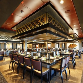 Norwegian cruises escape cruise ship teppanyaki restaurant