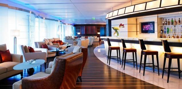 Residensea cruises The World cruise ship bar view