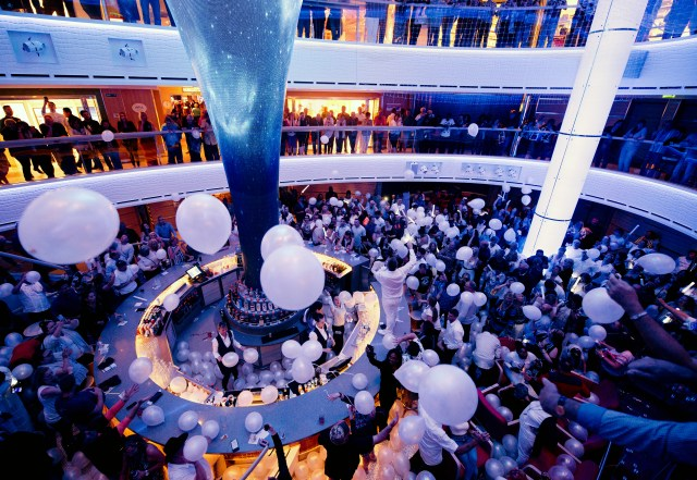 Carnival cruises Horizon cruise ship balloon party