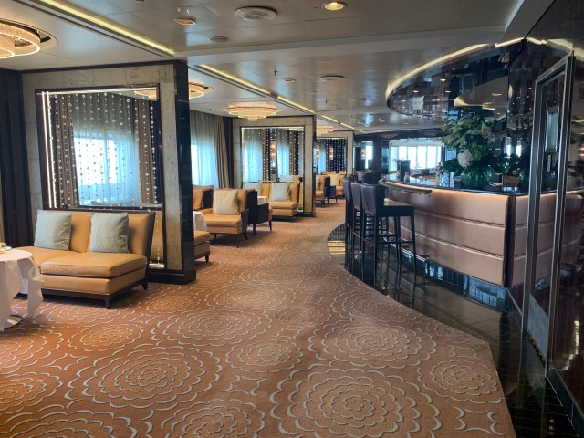Regent Cruises Voyager lounge