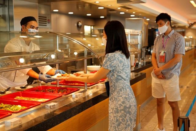 Dream Cruises World Dream buffet during COVID-19 pandemic