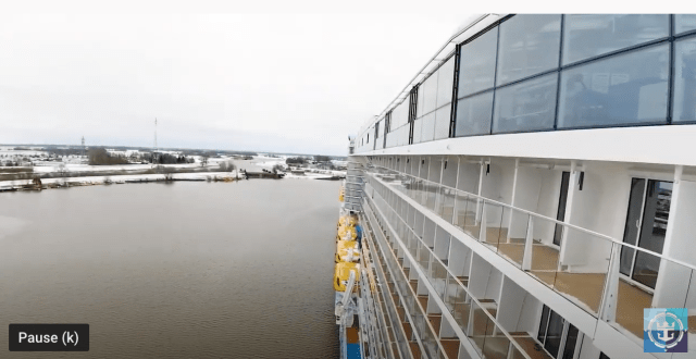 Royal Caribbean Odyssey of the Seas Port side
