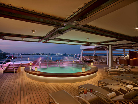 Seabourn Ovation cruise ship aft pool deck