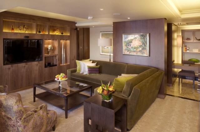Crystal Cruises Symphony livingroom suite