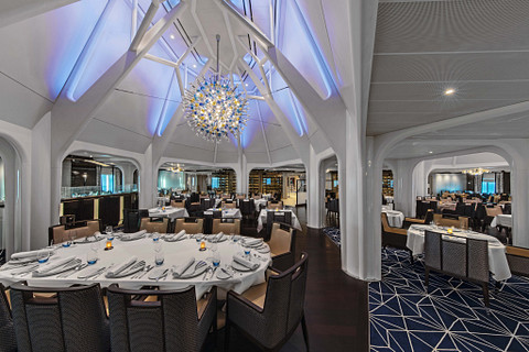 Seabourn Ovation cruise ship dining room