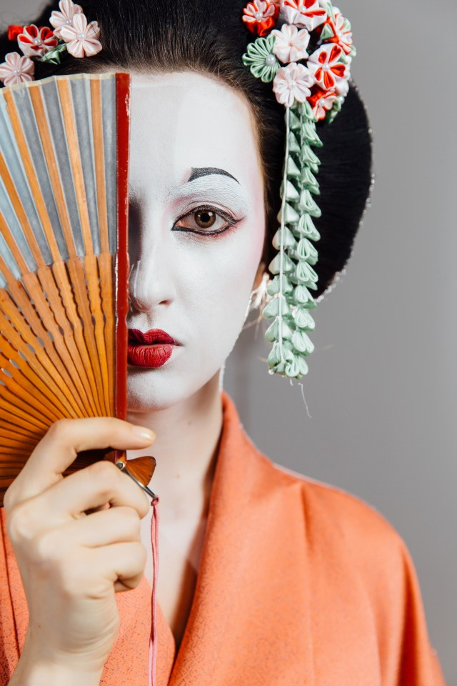 Woman,In,Geisha,Makeup,And,A,Traditional,Japanese,Kimono.,Studio, World Dream cruise