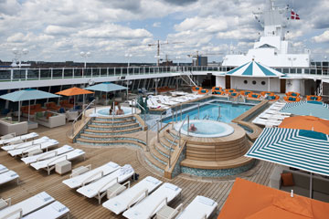 Crystal_Serenity_Seahorse_Pool_and_Jacuzzis